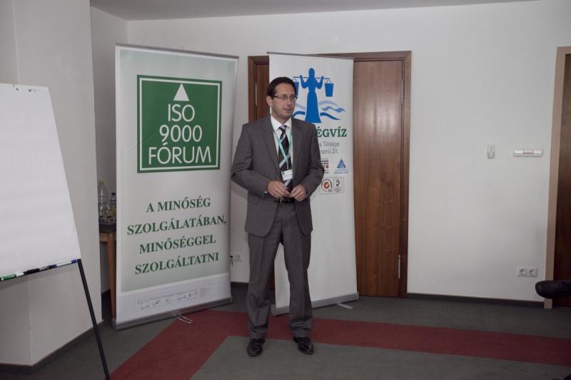 XX. Nemzeti Konferencia: első nap délutáni szekciók fotói - Az ISO 9000 FÓRUM 2013. szeptember 12-13. között rendezte meg Balatonalmádiban a RAMADA Balaton Hotelben a jubileumi XX. Nemzeti Konferenciát. Az első nap délutánján a 4 szekciban zajlottak az előadások, beszélgetések. Ezekről közlünk fotókat.