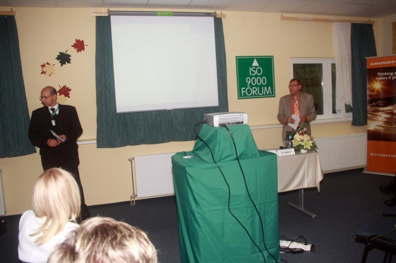 XIX. Nemzeti Konferencia: Lean, Egészségügy és Közoktatás szekciók fotói - Az ISO 9000 FÓRUM 2012. szeptember 13-14. között rendezte meg Balatonvilágoson a Frida Family Hotelben a XIX. Nemzeti Konferenciát. A rendezvény nagy látogatottságnak örvendett és szakmailag is értékesnek bizonyult. Az rendezvény első napján, ebéd után ke