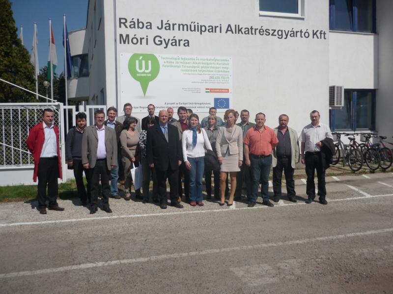 ISO 9000 FÓRUM által szervezett gyárlátogatás - RÁBA Járműipari Alkatrészgyártó Kft. - 2013. április 18-án járt csoportunk a RÁBA Járműipari Alkatrészgyártó Kft. móri gyártelepén szakami látogatás céljából.