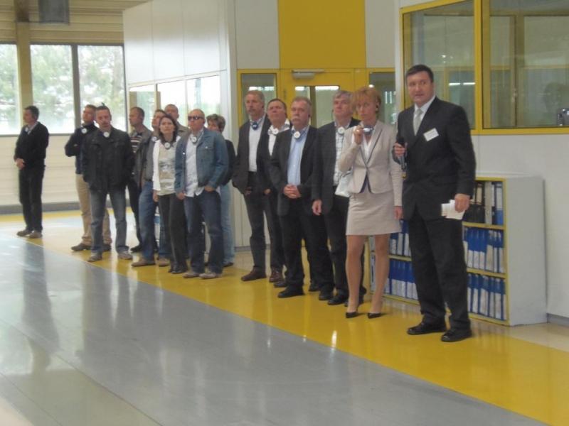 ISOFÓRUM szakmai látogatás az Opel Szentgotthárd-i gyárában, 2013.május 30-án - Tagságunk több mint tíz évve látogatta meg az OPEL autógyárat, amikor még összeszerelés is volt. Azóta a vállalat rengeteget fejlődött, Európai Kiválóság Díjat is nyertek és nagy beruházásokat valósítottak meg.