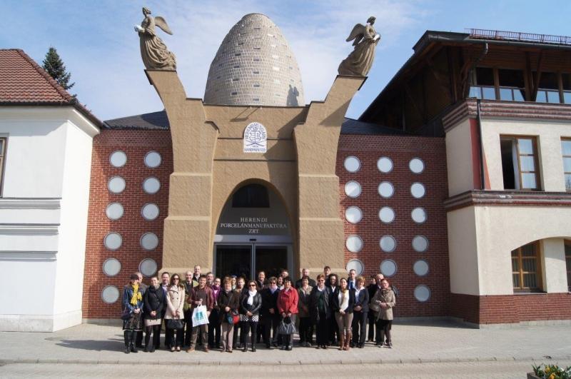 Szakmai Látogatás a Herendi Porcelánmanufaktúrában 2014. március 27-én - Immár tizedik éve, hogy az ISO 9000 FÓRUM tagsága látogatást tesz a világhírű pocelánmanufaktúrába.