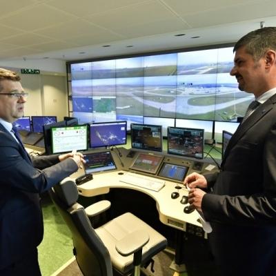 Távolról vezérelhetik a légiforgalmi irányítók a budapesti repülőteret - HungaroControl Zrt.